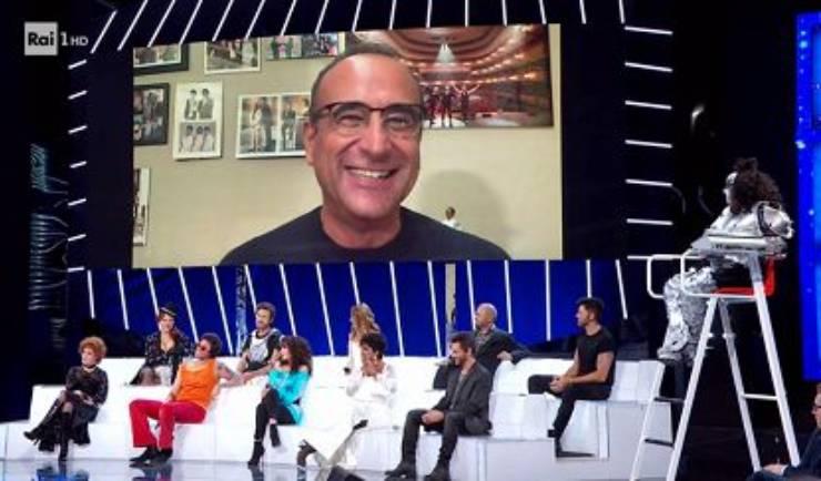 Carlo Conti conduce Tale e Quale Show Collegamento