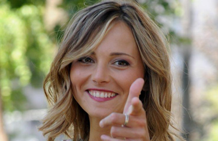 Francesca Fialdini partenza carisma angelo
