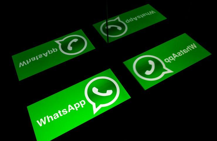 WhatsApp funzione messaggi eliminati