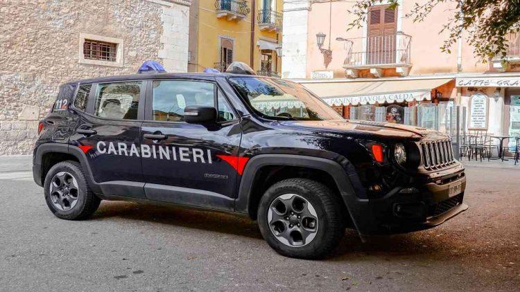 Firenze cadaveri valige Ris