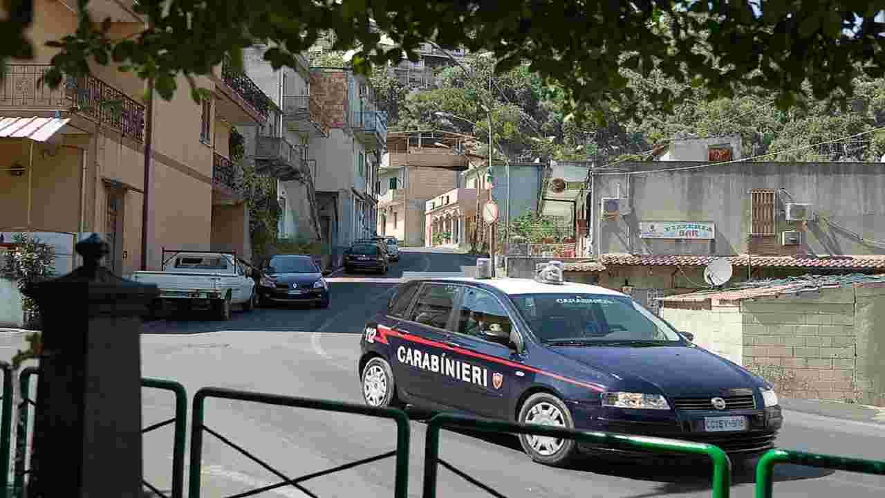 Violenza sessuale Livorno ragazzi arresti domiciliari