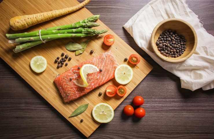 Tutto ciò che bisogna sapere sul salmone prima del cenone di Capodanno