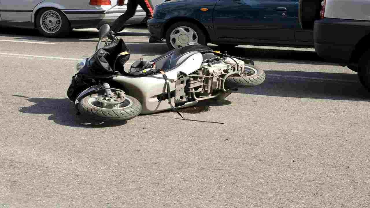 Incidente scooter Caserta muore 55enne