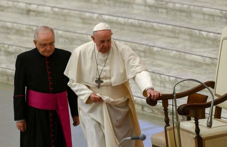 Papa Francesco, dimissioni in vista del 31 dicembre? Il Vaticano non smentisce
