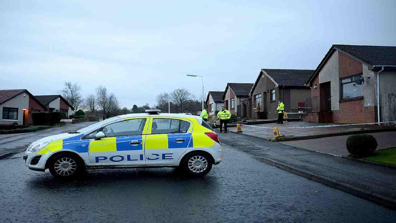 Padre e figlio trovati morti omicidio-suicidio Scozia