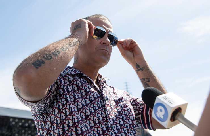 Robbie Williams confessione suicidio