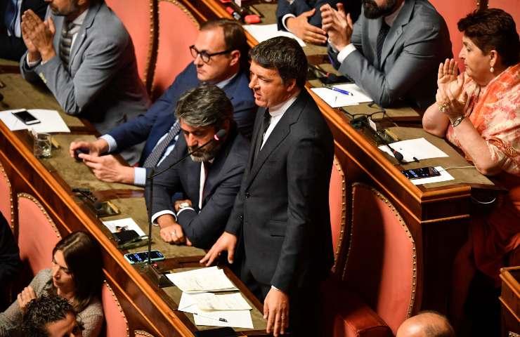 Renzi pronto a far cadere il governo se Conte non farà marcia indietro