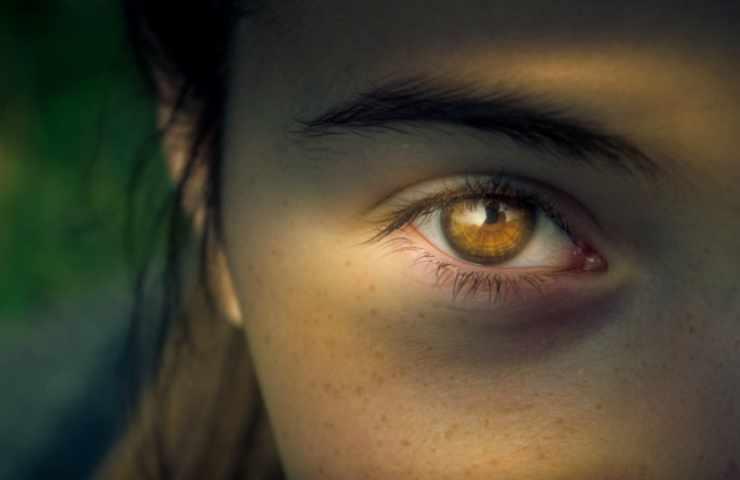 occhi test visivo