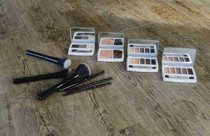 Pulizia accessori make-up