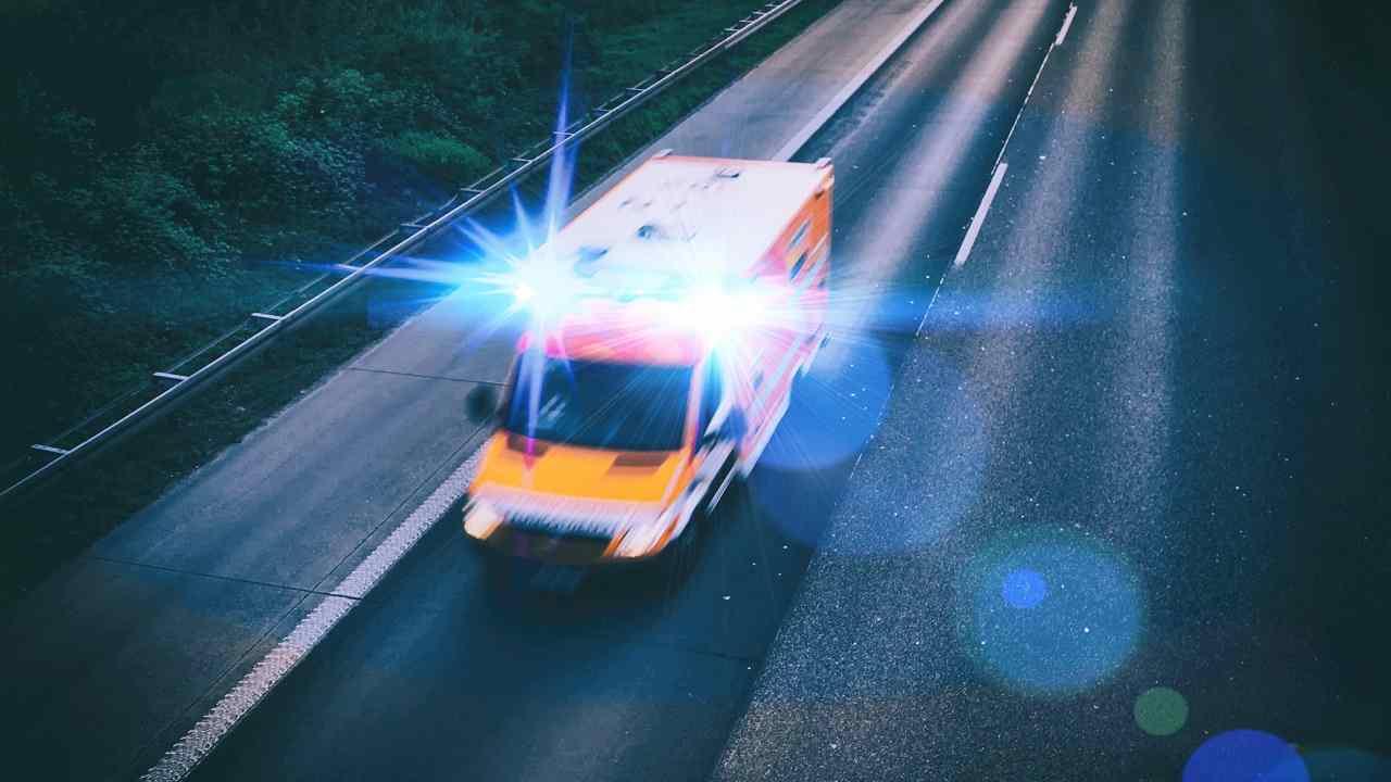 Rimini autostrada muore ragazzo 19 anni