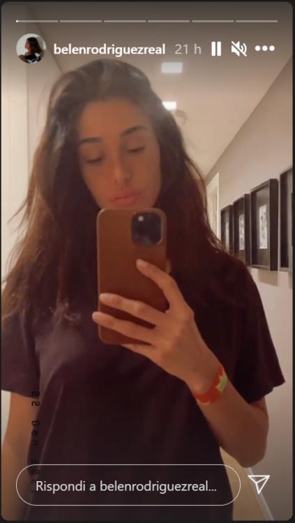 Belen Rodriguez sotto la doccia, il VIDEO bollente mette i brividi