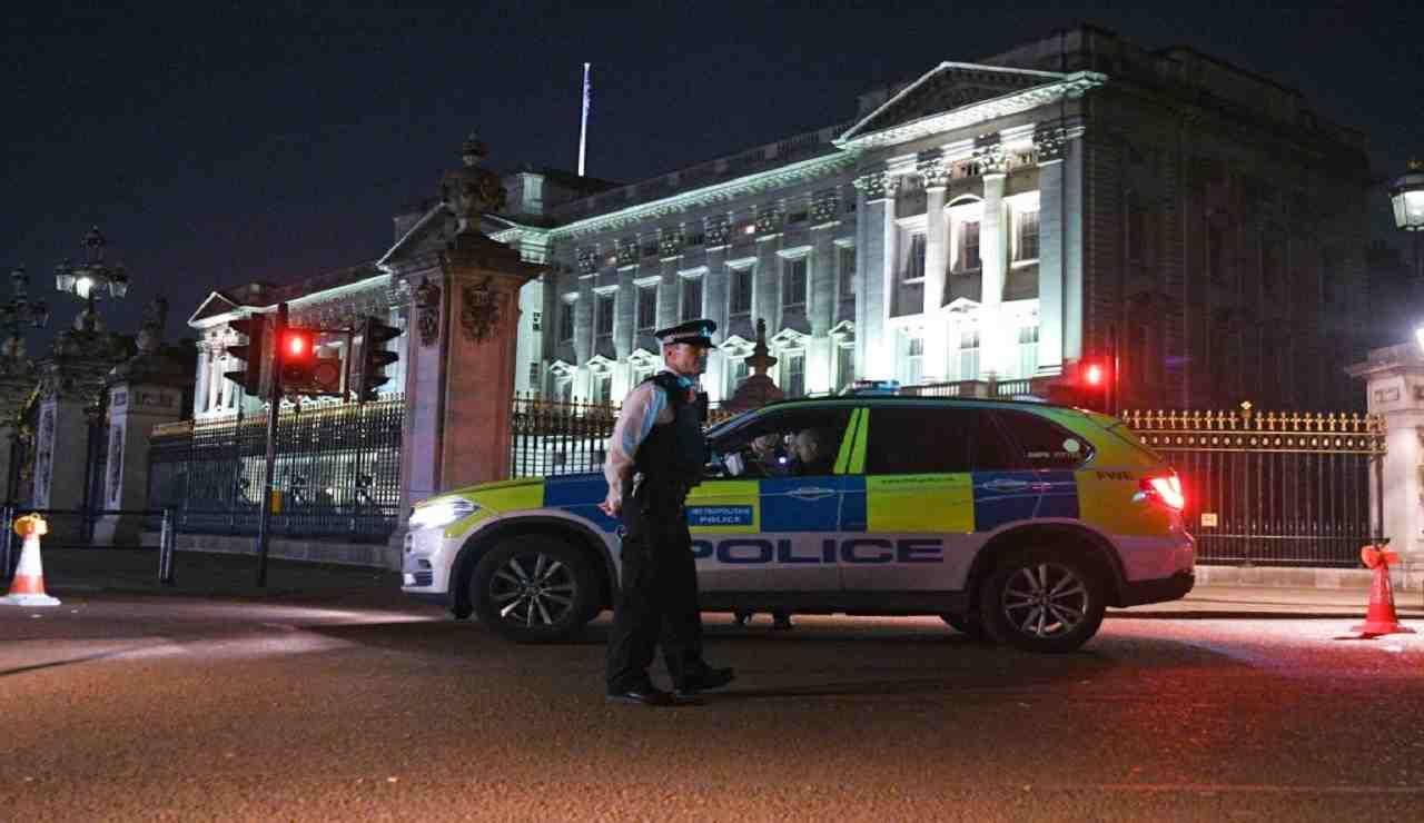 Furto Buckingham Palace condannato addetto alle pulizie