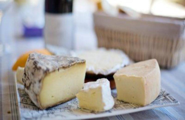 Allerta alimentare, richiamato dal Ministero noto formaggio Dop