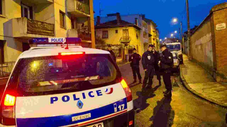 ragazza violentata, aggredita, pugnalata in francia