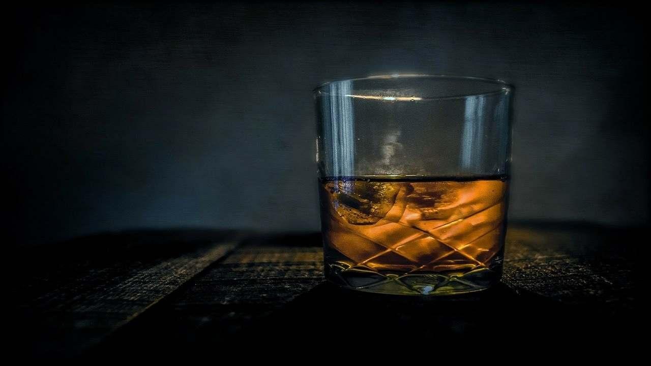 India bevono liquori contraffatti cinque morti