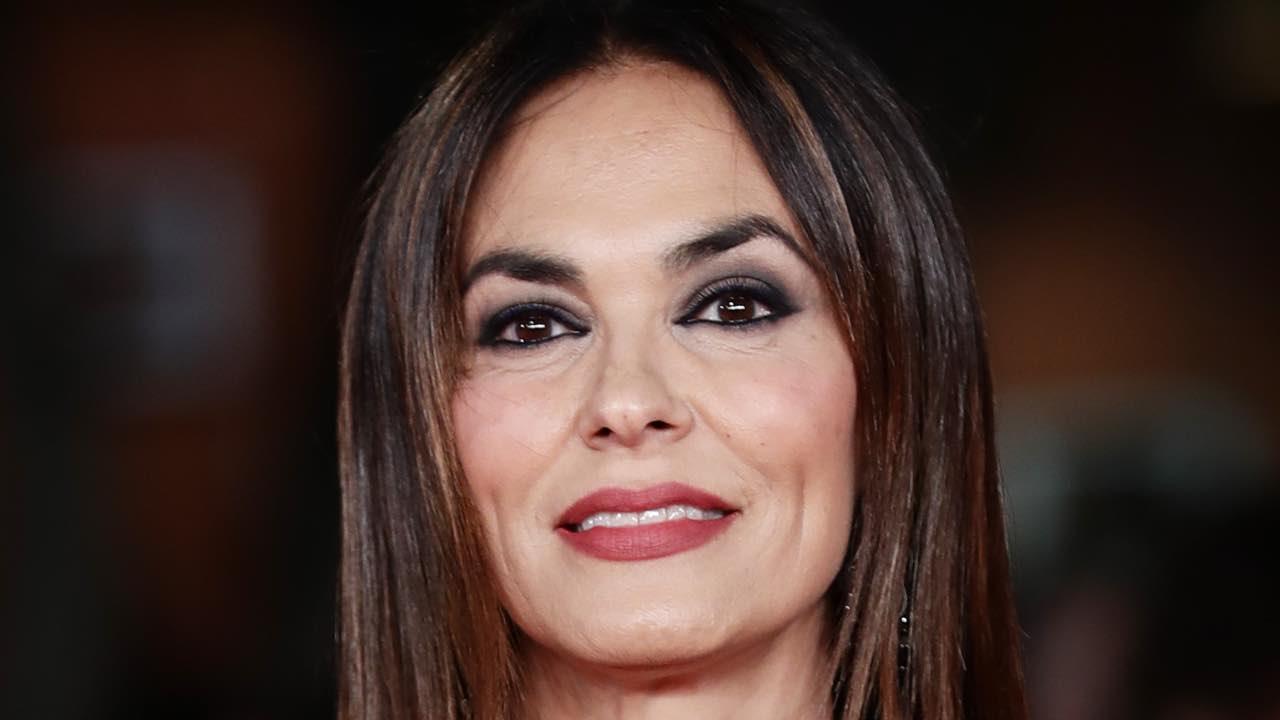 Maria Grazia Cucinotta giochi di luce