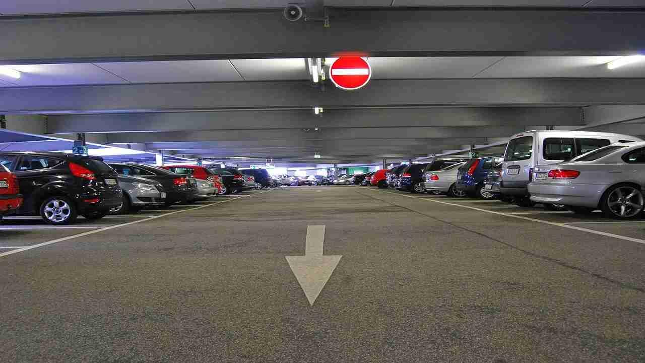 Usa muore studentessa parcheggio