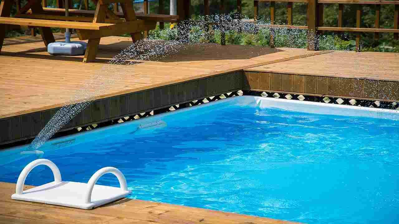 Tragedia Algeri ragazzo italiano morto folgorato in piscina
