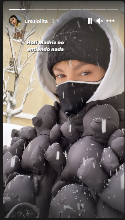 Úrsula Corberó e il balletto sexy sotto la neve, irriconoscibile – FOTO
