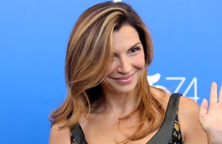 Maria Pia Calzone sensualità bellezza