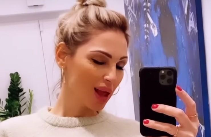 Anna tatangelo selfie