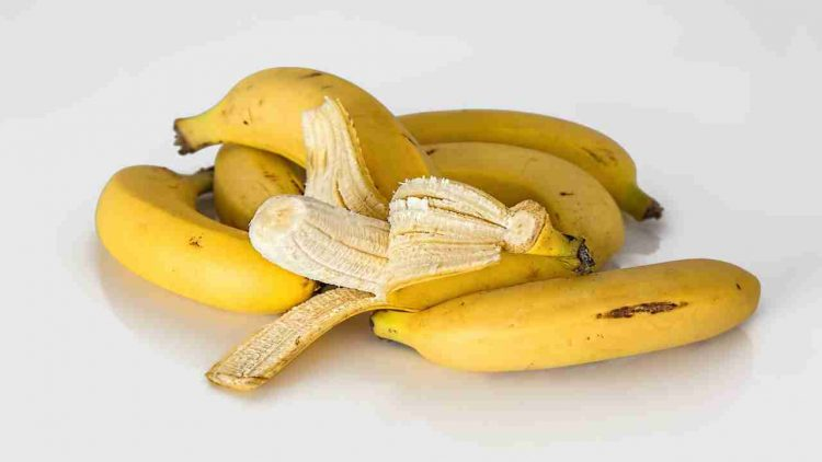 maschera-fai-da-te-banana-cacao