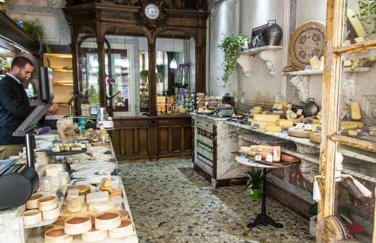 Ritirato formaggio dal mercato per presenza Listeria