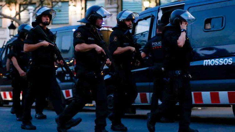 polizia spagnola cattura rapper hasel