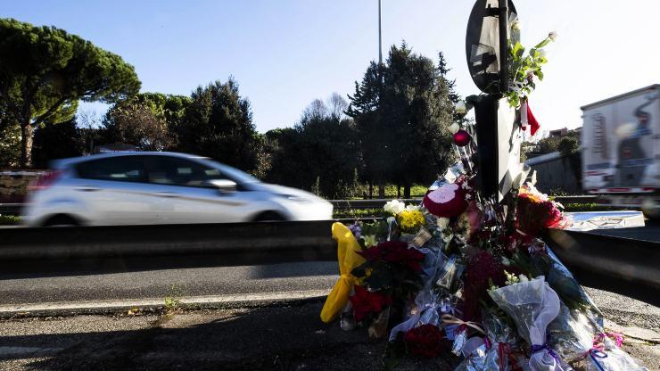 Incidente stradale - fiori - dal web
