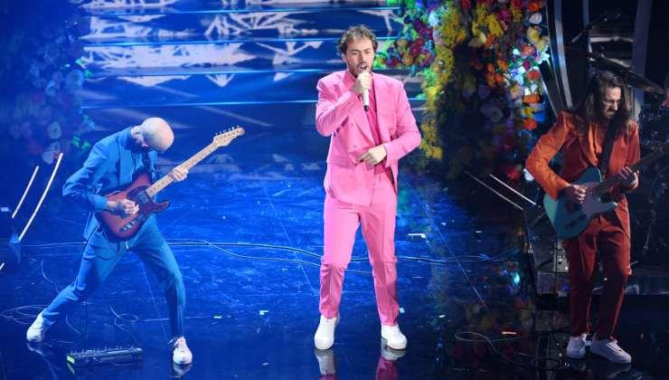 Serata Cover, Pinguini Tattici Nucleari al Festival di Sanremo 2020