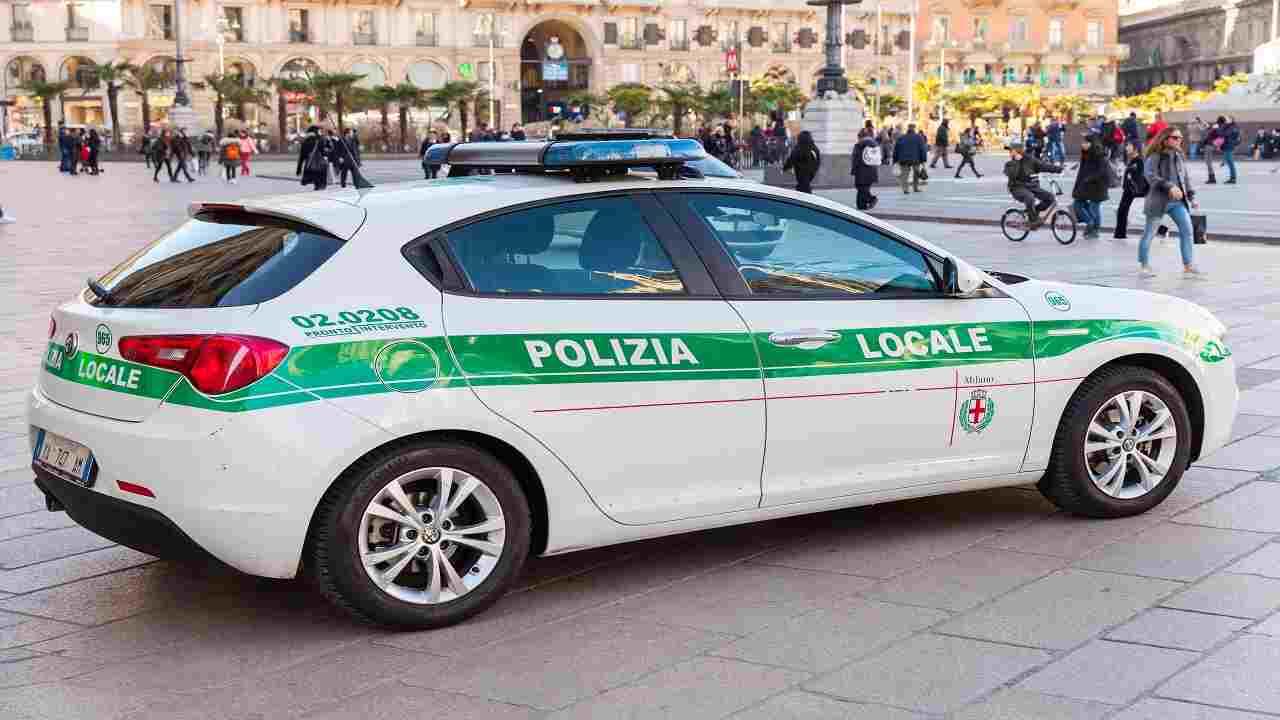 Milano violenza ragazzine tre arresti