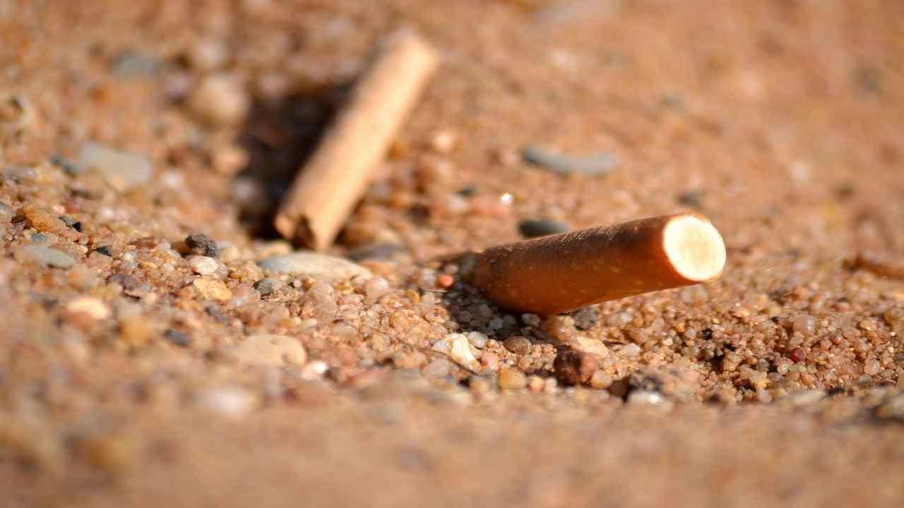 Barcellona divieto fumo spiagge