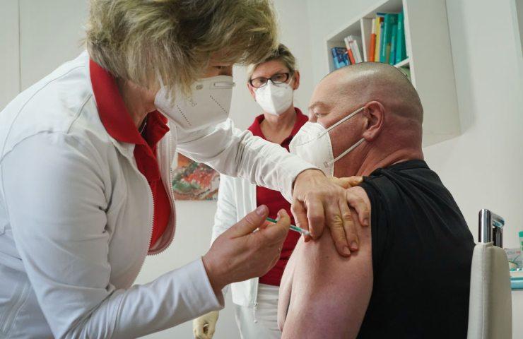 accelerazione sui vaccini