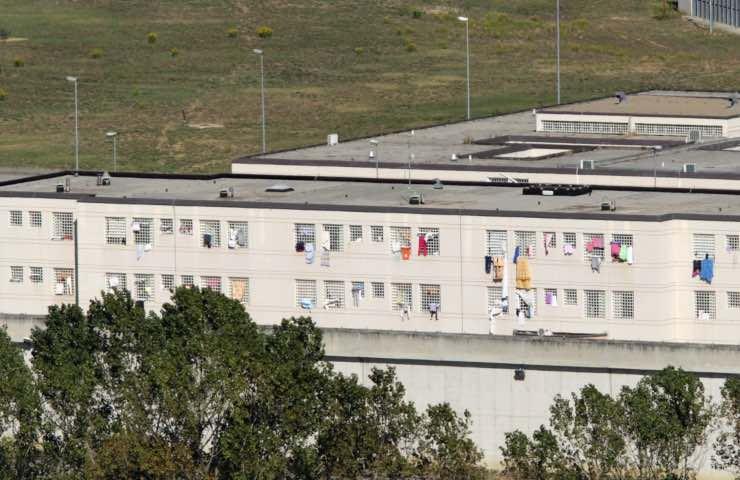 carcere 24enne condizioni disumane