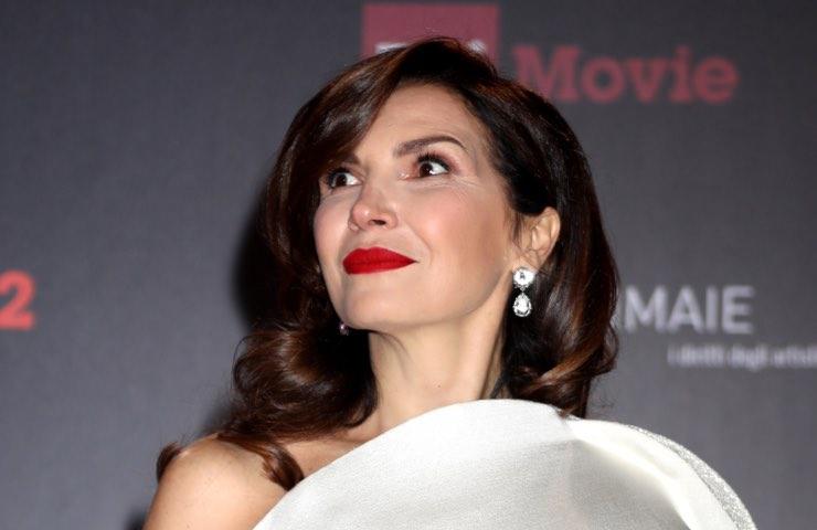 Maria Pia Calzone fascino ardente