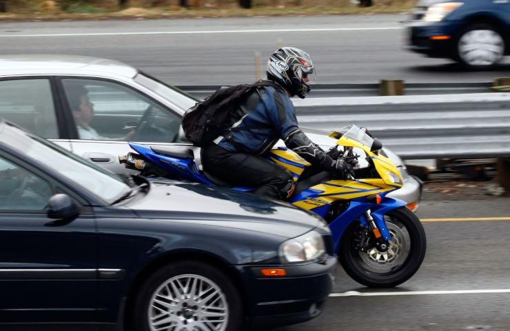 incidente moto muore giovane