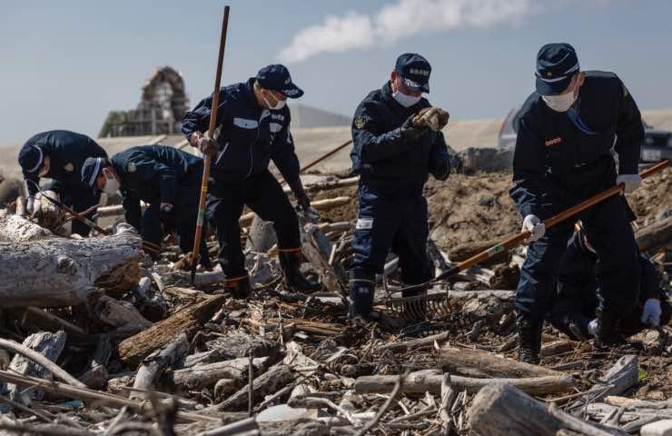 Tsunami indonesia uomo ritrovato