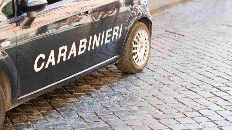 Modena auto travolge uccide pedone