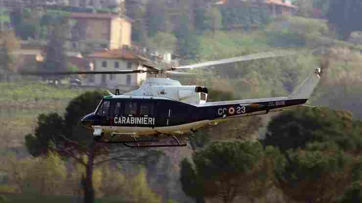 donna povera stalla salvata Carabinieri