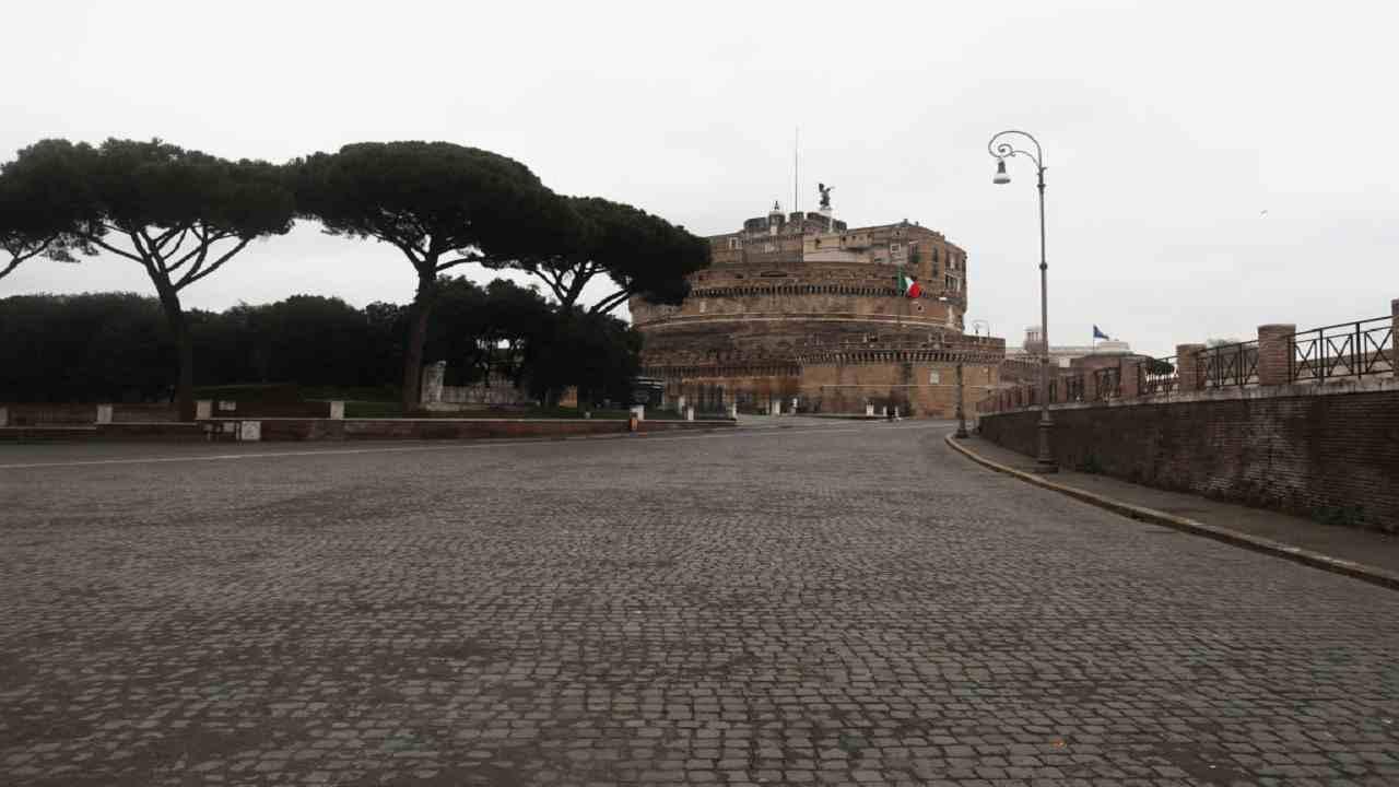 Covid Italia, Iss: in Lombardia la metà dei morti della prima ondata
