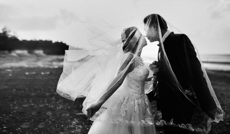 Matrimonio album foto rifiuti