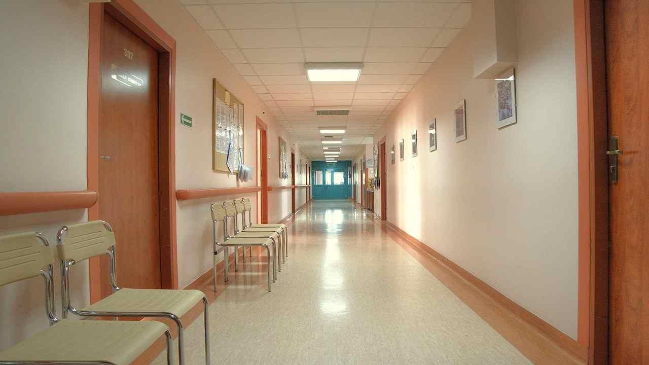 Torino positivo Covid-19 scappa ospedale suicidio