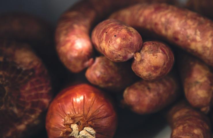 Allerta alimentare salsicce salmonella