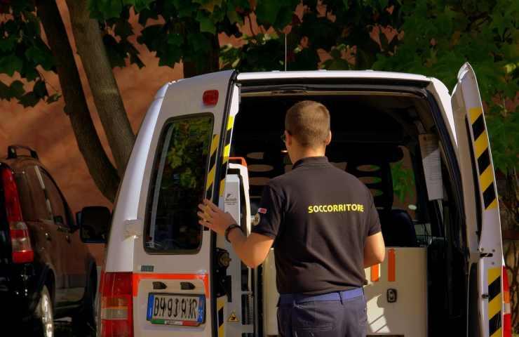 Incidente lavoro Treviso travolto tir collega