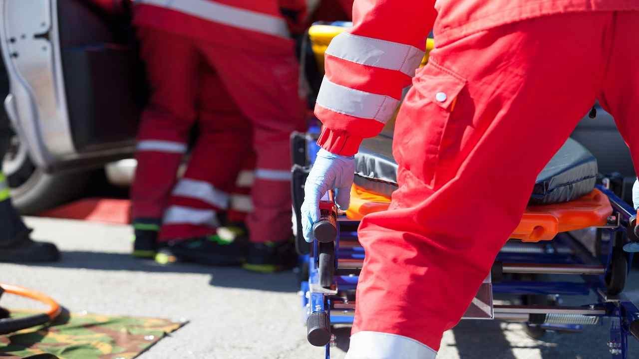 Genova travolto auto muore uomo 87 anni