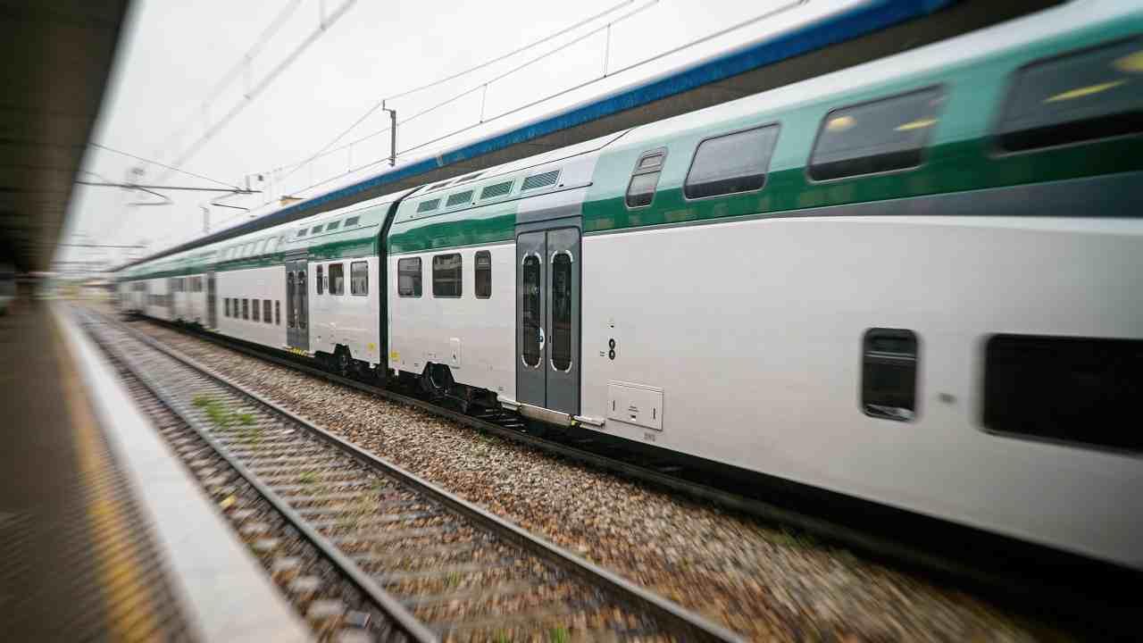 Roma travolto treno muore uomo