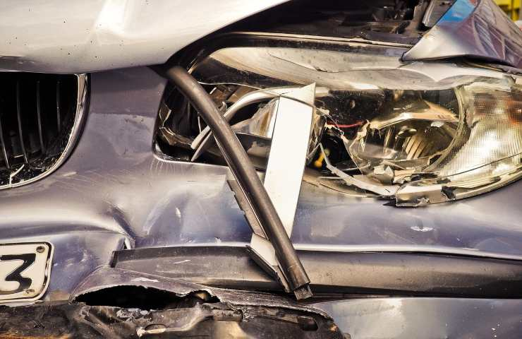 Incidente stradale Latina due morti