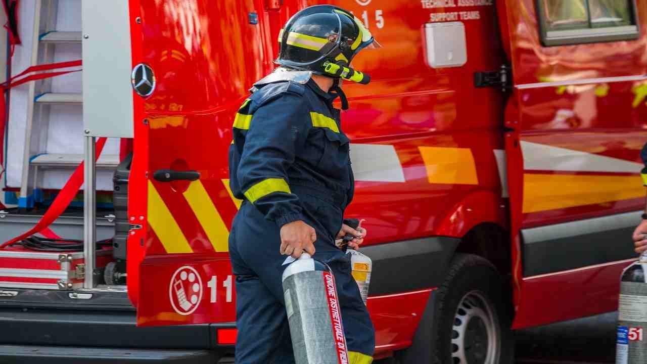 Battipaglia badante muore incendio villetta