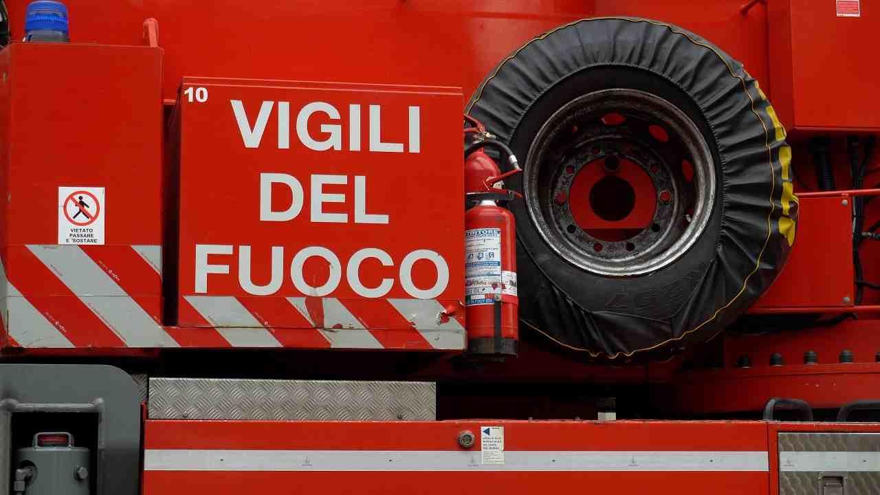 Pavia incendio morto uomo 94 anni