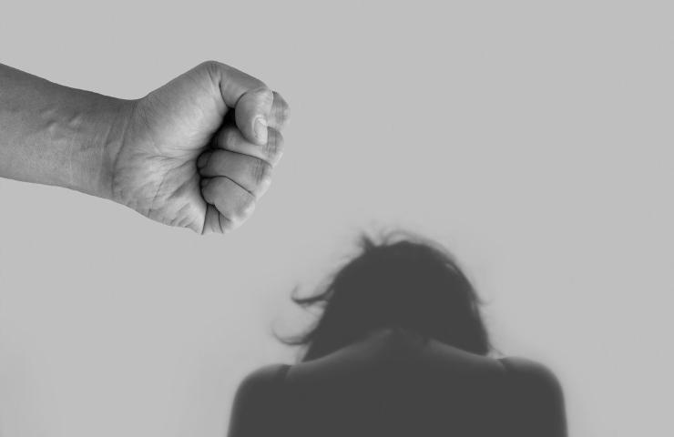 22enne violentata al parco di Villa Giordani